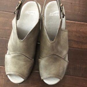 Shoes - New Dansko size 10 sandal.  Wedge heel. Gray